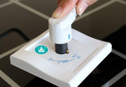 驰华大功率插座——市面上唯一能达国家标准且有分断能力的电连接器饮料包装机